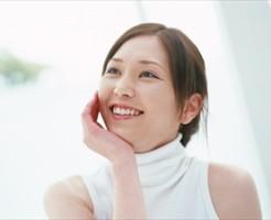 歯の白い女性