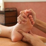 足のつぼ、足つぼマッサージで便秘、肩こり、腰痛などを解消しよう!