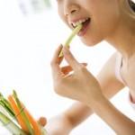 食後に腸が動くのは病気?その原因や対処法を説明します。